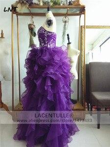 Image 2 - Bez rękawów potargane fioletowe sukienki z organzy Quinceanera musujące suknie na Quinceanera