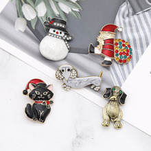 Christmas New Year Snowman Santa Claus Dog Brooch Badges with Rhinestone Corsage Gifts Banquet Pins Party Decorations Badge 1PC