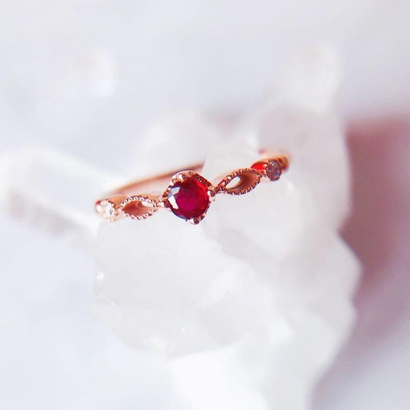 Semplice E Bella Delicato Rosa Anello in Oro Rosso Zircone Donne Del Partito Dei Monili Del Regalo Elegante Temperamento Femminile Anello di Fidanzamento