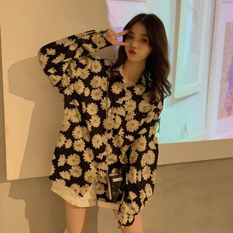 VICONE new little Daisy flower shirt printing jacket retro joker is prevented bask in clothes