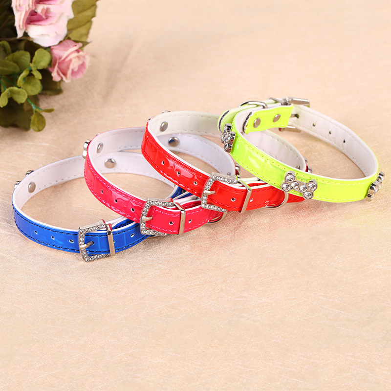 Feng Yuen New Style Reflective Pet Dog Collar Diamond + Bone Neck Ring Pet Supplies Wholesale