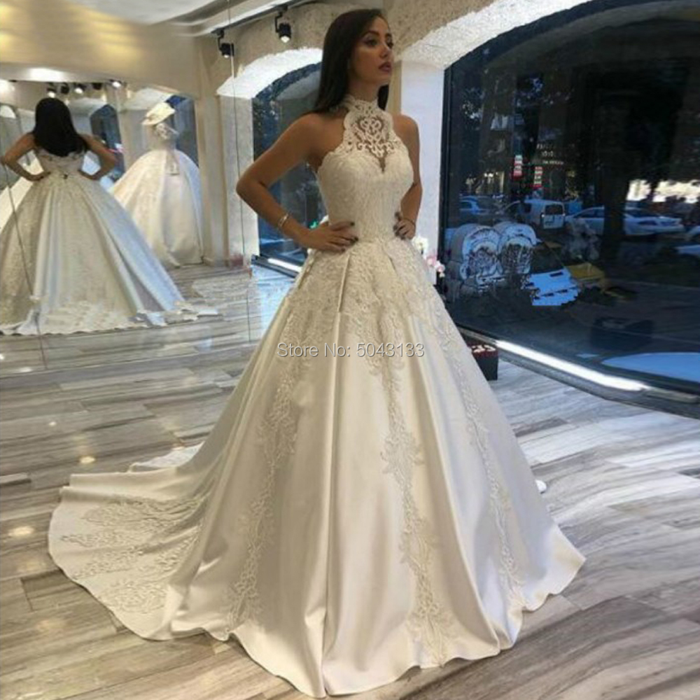 Luxury Lace Appliqués Wedding Dresses Halter Neck Button Back Bridal Wedding Gowns Ivory Satin Vestidos De Novia Bride Dress