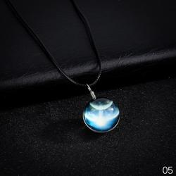 Luminous Crystal necklace Glass Night Light Cabochon Pendant Glow In The Dark Star Series Planet Necklace Street Fashion Jewelry