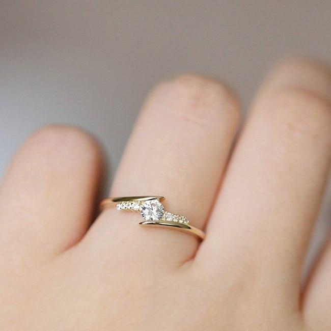 ZHOUYANG кольцо для женщин, простой стиль, кубический цирконий, свадебное кольцо, светильник, золотой цвет, модное ювелирное изделие KBR103 - Цвет основного камня: KBR103