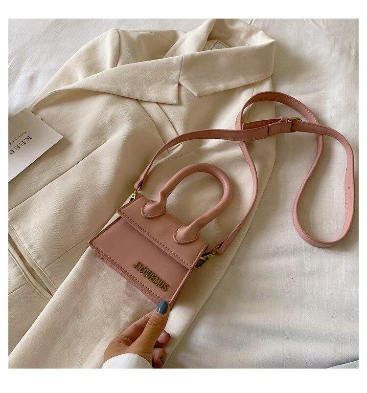 Mini bolsas e bolsas para as mulheres