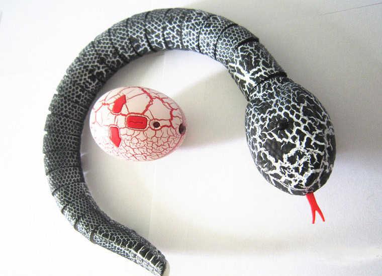 Uzaktan kumanda yılan korkunç yaramazlık yenilik oyuncak kızılötesi RC hayvan 4 renk çıngıraklı yılan modeli komik şaka çocuk oyuncakları hediye