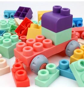 Image 3 - התאגרף תינוק צעצוע 3D רך פלסטיק אבני בניין תואם מגע יד נשכן בלוקים DIY גומי בלוק צעצוע לילדים מתנה