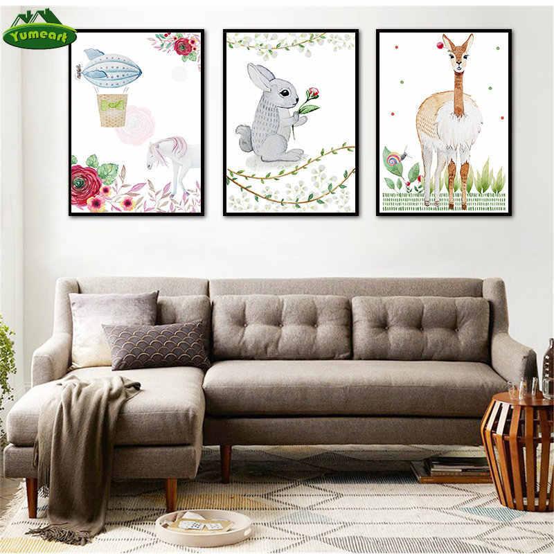 漫画ウッドランド壁アートウサギ鹿キャンバス塗装ベビー動物ポスタープリント中立馬魚の写真