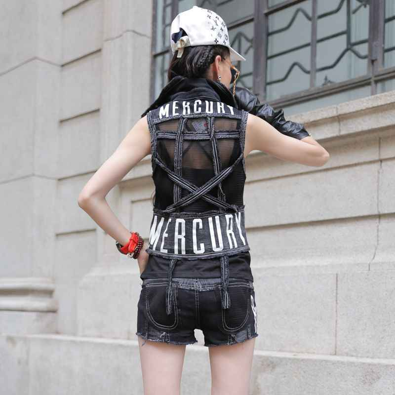 새 디자이너 여성 슬림 맞는 패치 워크 데님 조끼 핫 반바지 2pcs 세트 캐주얼 고딕 인쇄 모터 바이커 복장 Streetwear