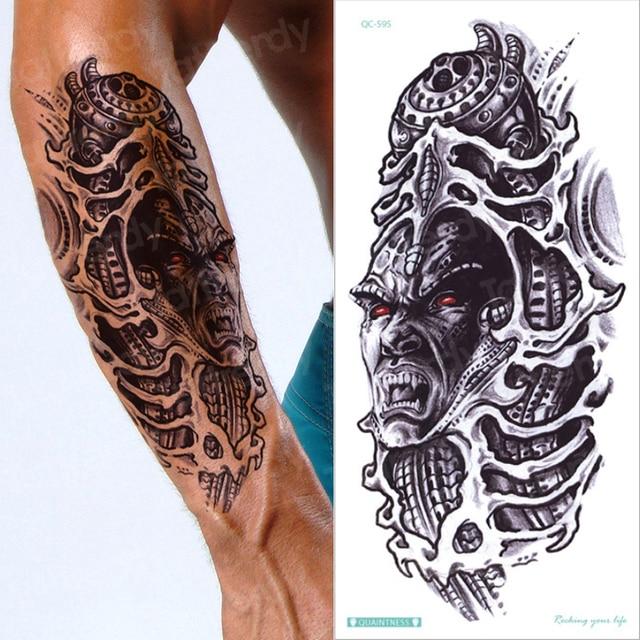Oberarm schrift tattoo frau Tattoo Brust