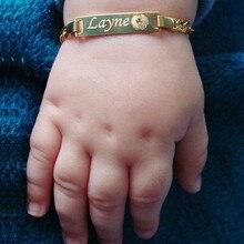 Personalisieren Baby Name Armband Figaro Kette Glatte Bangle Link Gold Ton Keine Verblassen Safty Schmuck