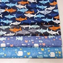 Meio metro oceano mundo tubarão baleia peixe impressão 100% algodão sarja tecido do bebê roupa de cama dustcoat material costura CR-662
