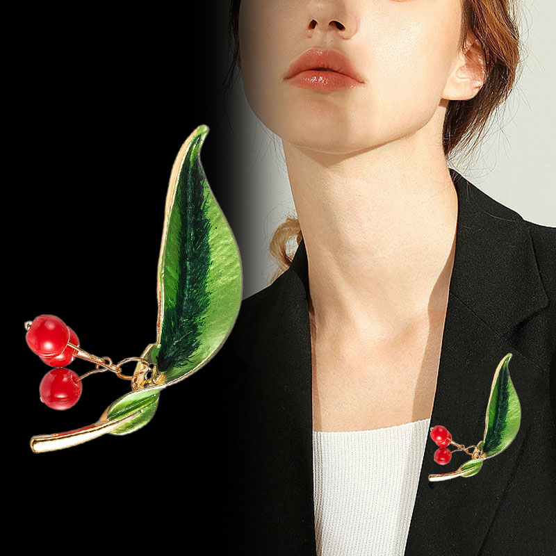 Trendy Enamel Fruit Shape Red  Brooch for Women Green Leaf Cherry Brooches Suit Lapel Pin Clothing Scarf Badges