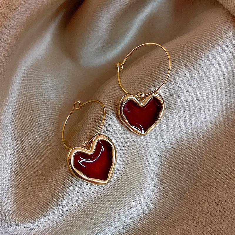 Sweet Burgundy Enamel Heart Hook Earrings for Women Girl Gold Color Metal Love Heart Hanging Dangle Earrings Vintage Jewelry
