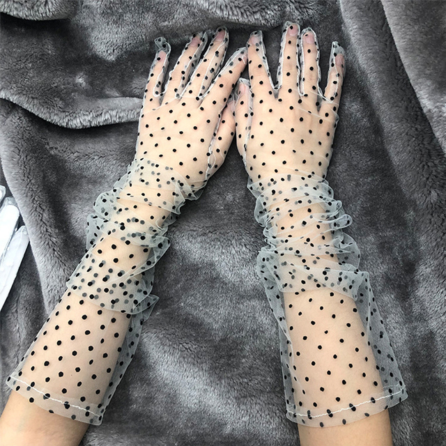 New 1 Pair Women Short Tulle Gloves Stretchy Lace Spots Full Finger Mittens Mesh Lace Gloves 2
