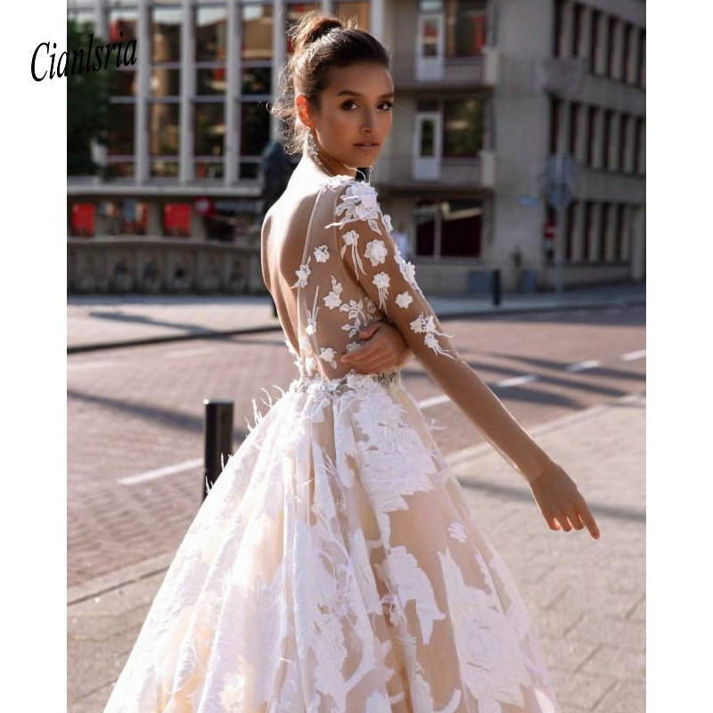 Light Champagne Wedding Dresses Lace Appliqued Court Train A Line Backless Beach Wedding Dress Custom Made Long Sleeve Bohemian