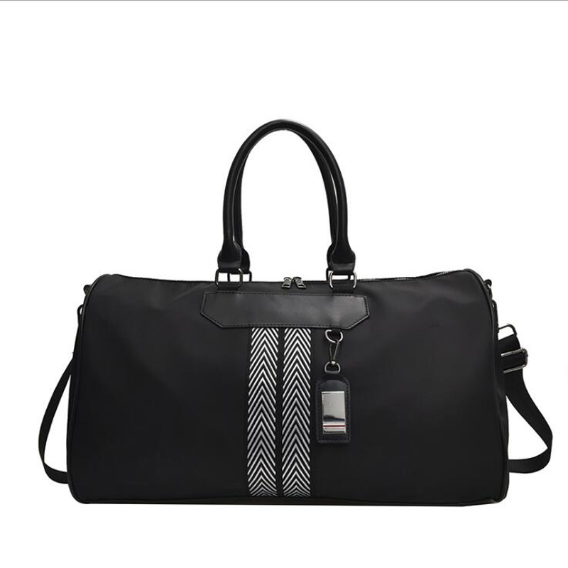 2019 Brand Travel Bag Waterproof Striped Travelling Bags And Luggage For Women Fashion Women Weekend Travel Handbag Reistas