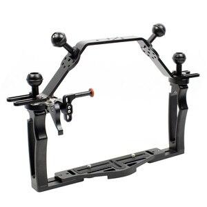 Image 2 - Dual Griff Grip Bracket Handheld Expansion Montieren mit Clip Schraube Adapter Top Griff Shutter Verlängerung Sport Kamera Unterwasser