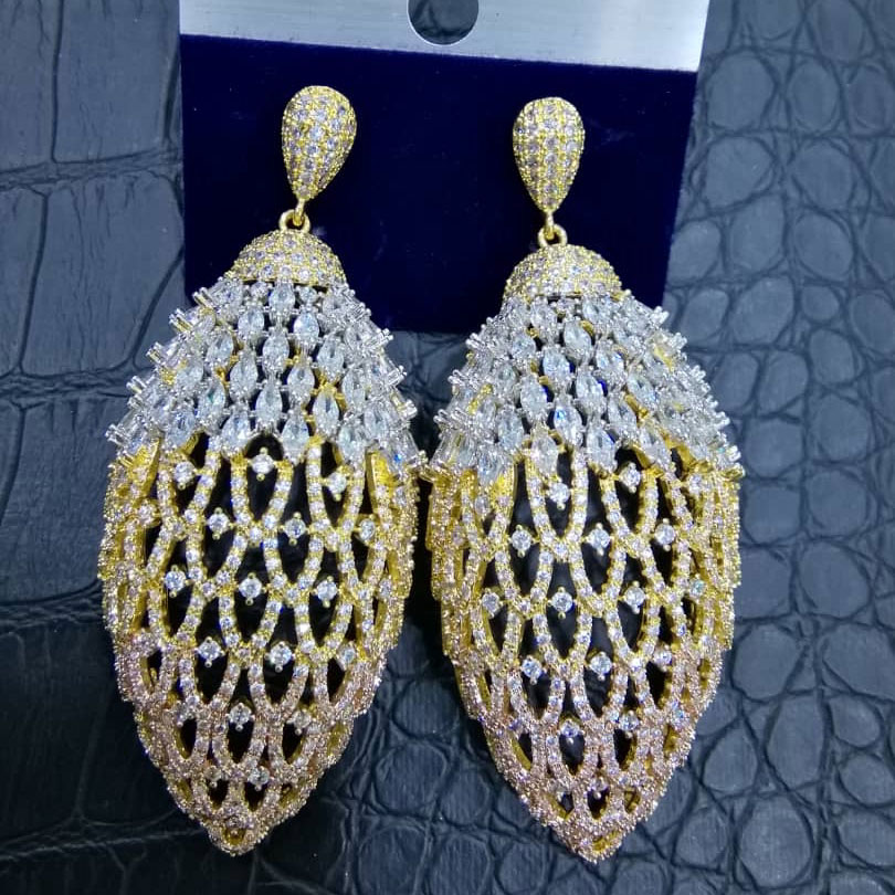 GODKI célèbre boucles d'oreilles goutte d'eau pour les femmes à la mode cubique Zircon fête mariage fiançailles Dubai boucle d'oreille pour les femmes bijoux
