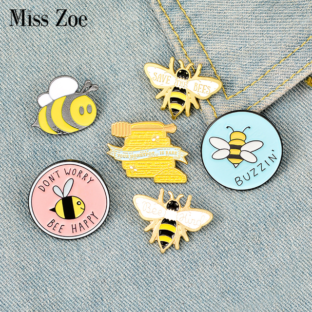 Bee Enamel Pin Custom homophonic Be Kind Save Bee Brooches Bag Clothes Lapel Pin Pink Blue Round Badge Honey Bee Jewelry Gift
