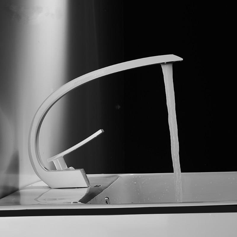 Tuqiu Basin Faucet Modern Bathroom Mixer Tap Black Gold Wash basin Faucet Single Handle Hot and