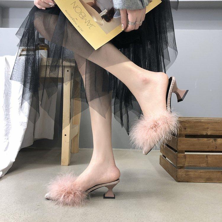Fashion Shoes 2020 Women Fur Bling Square Heels Peep Toe Wedding Shoes Woman Backle Strap Beautiful Pointe Shoes Girls