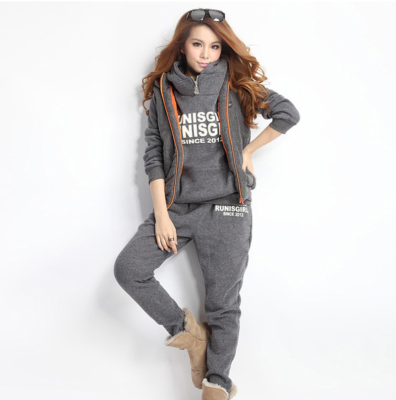 WOMEN' Korean-style Suits Autumn And Winter New Style Sports Leisure Sets Hooded Fleece Hoodie Three-piece Set Sports Vest