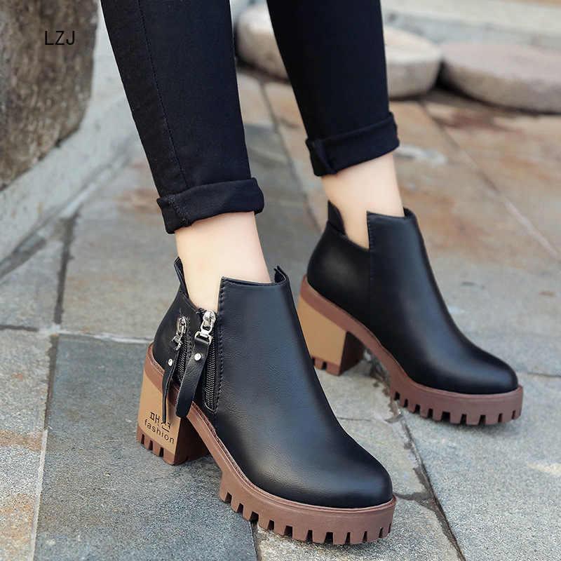LZJ 2019 automne hiver bottes courtes femmes botte unique côté fermeture éclair talon haut Martin bottes tête ronde talon épais bottes imperméables