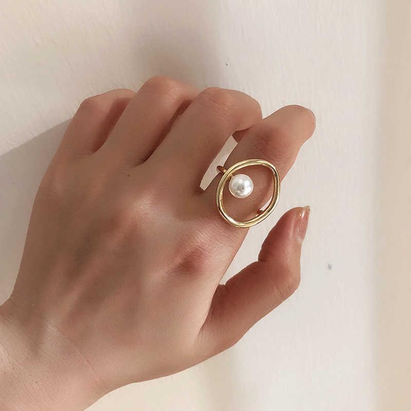 เกาหลี Niche แหวนออกแบบโลหะแฟชั่นวงกลมไข่มุกจำลองง่ายปรับแหวน bague Femme anillos mujer