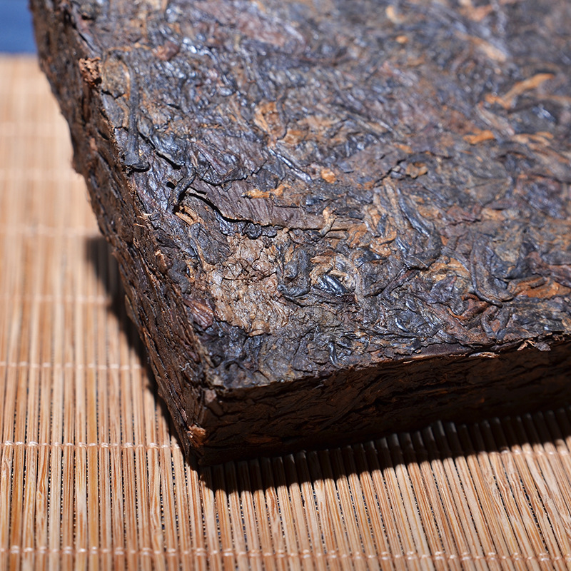 China Yunnan Oldest Raw Pu'er Tea 250g Column Iceland Ancient Tree Detoxification Beauty Green Food For Health Care 2