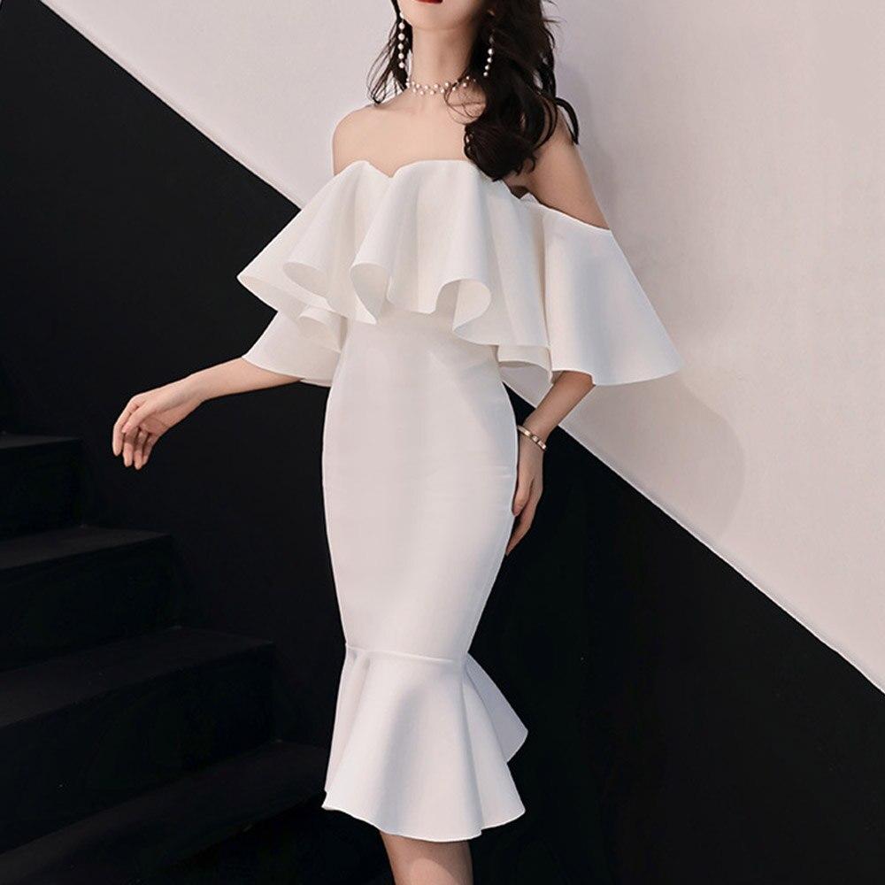 Roxo elegante vestido de cocktail fora do