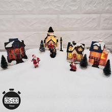 Casa de pueblo de invierno de Navidad con luz LED con temporizador, figuritas de Navidad, accesorios para el paisaje de pueblo, juego de accesorios