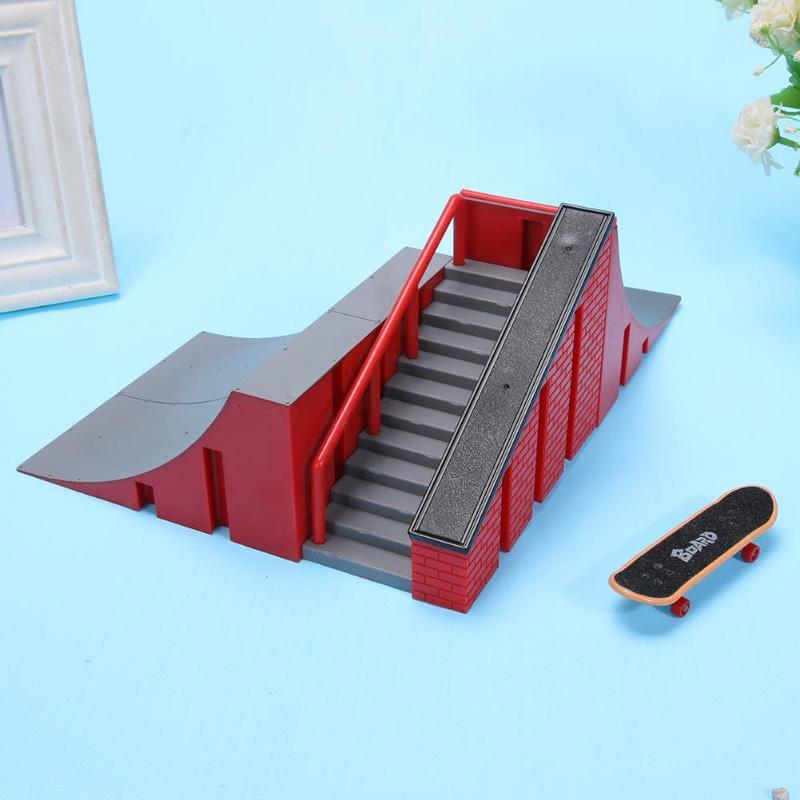 Mini Finger Skating Board Table Game Ramp Track Toy Set For Kids Gift
