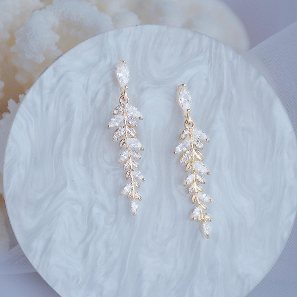 Charm 18k Real Gold Leaves Earrings for Women Exquisite Tiny Zirconia Stud Earring Elegant Korean Crystal Wedding Ringen Pendant