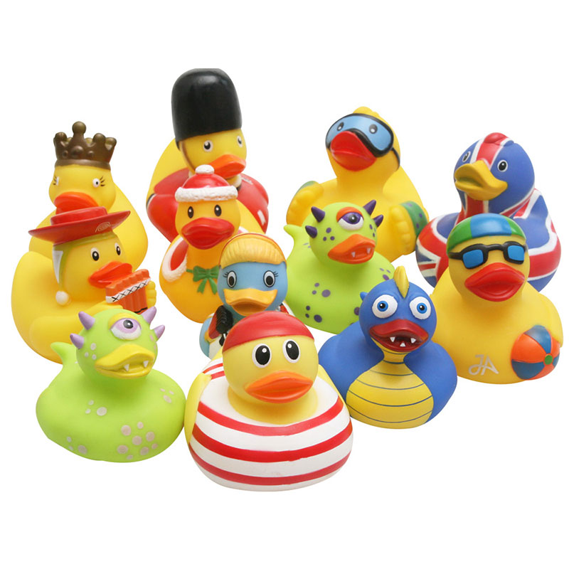 A Variety Of Ducks Random Delivery Rhubarb Duck Swimming Christmas Modeling Duck Baby Bath Toys Holiday Gift Toys