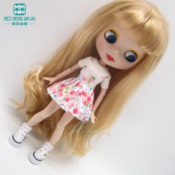 1pcs Blyth Doll Clothes Fashion white T-shirt, pleated skirt, sneakers shoes for Blyth Azone OB23 OB24 1/6 doll accessories 1pcs blyth doll clothes fashion denim clothing t shirts shoes for blyth azone ob23 ob24 1 6 doll accessories