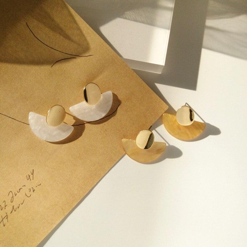 Realizzato in metallo e orecchini a bottone joker moda contratta orecchini geometrici temperamento estetico ornano larticolo