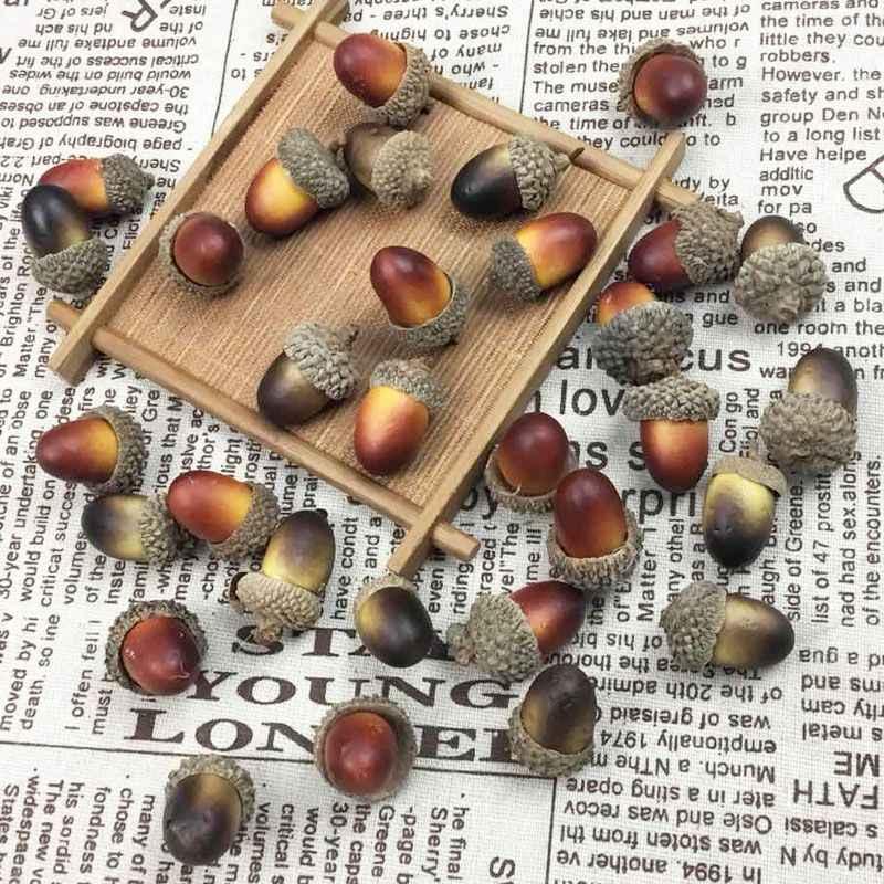 คริสต์มาส 5pcs จำลองขนาดเล็ก Acorn ประดิษฐ์ Pine Cone สำหรับเครื่องประดับคริสต์มาส DIY Nut ผลไม้ Xmas ตกแต่ง Party Home