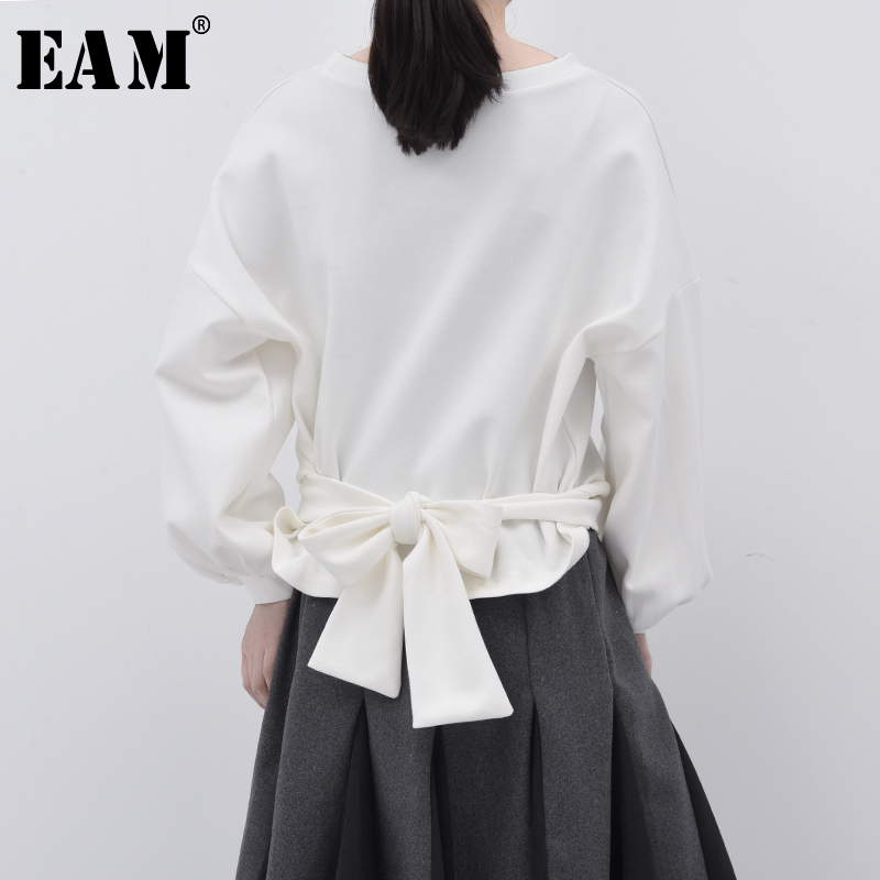 [EAM] Loose Fit White Back Bow Split Joint Sweatshirt New Round Neck Long Sleeve Women Big Size Fashion Tide Spring 2020 JE14100 1