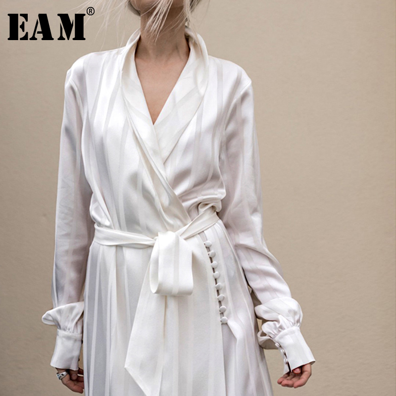 [EAM] Women Striped Bandage Temperament Long Trench New V-collar Long Sleeve Loose Fit Windbreaker Fashion Spring 2020 LC130