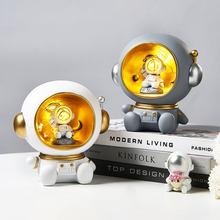 Astronauta criativo luz da noite resina decoração bonito personagem modelo nórdico casa decoração sala de estar estudo mesa decoração presentes