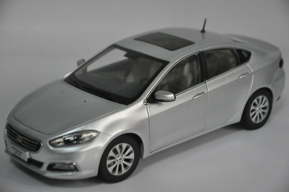 1:18 литья под давлением модель для Fiat Viaggio Серебряный Седан сплав игрушечный автомобиль миниатюрная коллекция подарки Лидер продаж Altis