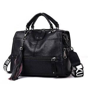 Image 2 - Luksusowe marki miękkie skórzane torebki Vintage pomponem torebki damskie projektant kobiet dużego ciężaru torby Crossbody torby dla kobiet torba na ramię