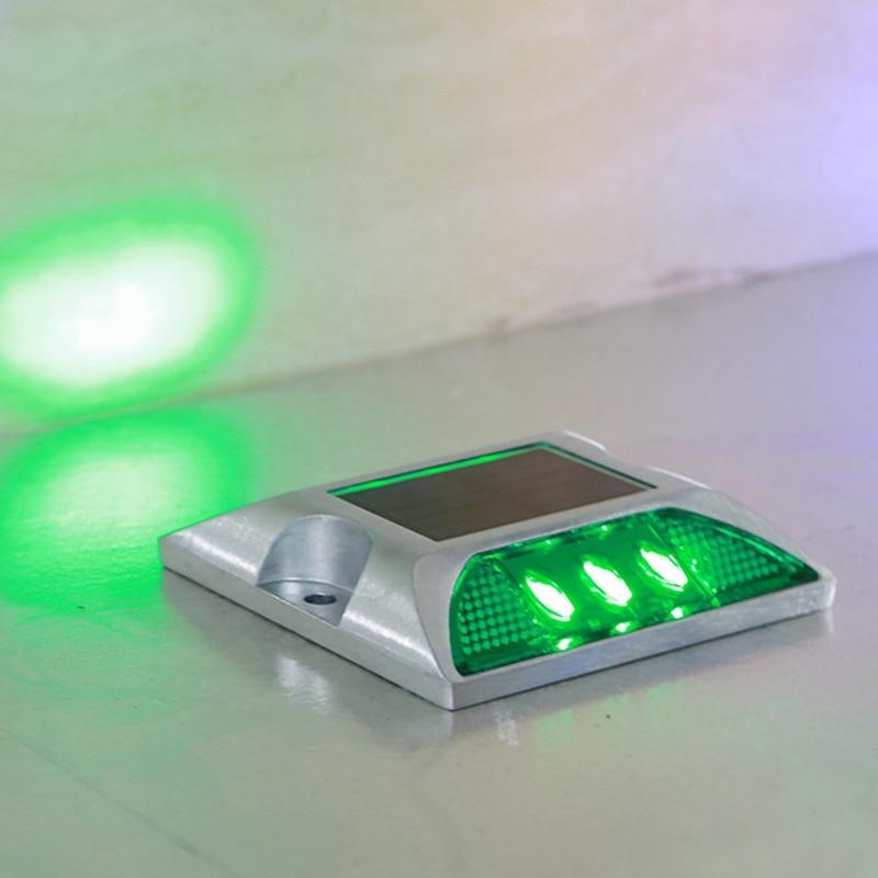 Solar Traffic Warning Light 6 LED Outdoor Cast Aluminum Guidepost IP65 Waterproof 0.3W 105*105*23mm Safety Warning Spike Lamp