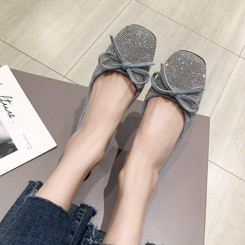 Ev ve Bahçe'ten Ayakkabı Rafları ve Organizatörleri'de Kare kafa ayakkabı kadın 2019 yaz yeni stil kore tarzı moda insan yapımı elmas yay düz Moccosins CHIC peri rüzgar title=