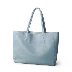Image 1 - ผู้หญิงหรูหรากระเป๋า Casual Tote หญิง Light Blue แฟชั่นไหล่กระเป๋าถือ Lady Cowhide หนังแท้กระเป๋าสะพายกระเป๋า