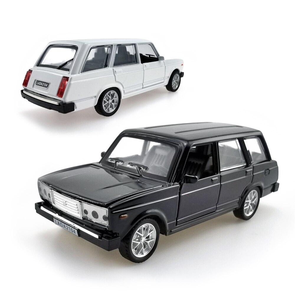 LADA 2104 1:32 Масштаб литья под давлением автомобиля игрушки, вытяжной мотор сплава Модель автомобиля со звуком и светом