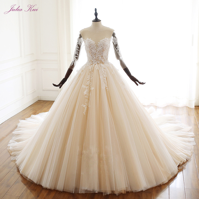 Свадебное платье с аппликацией и бусинами, на шнуровке