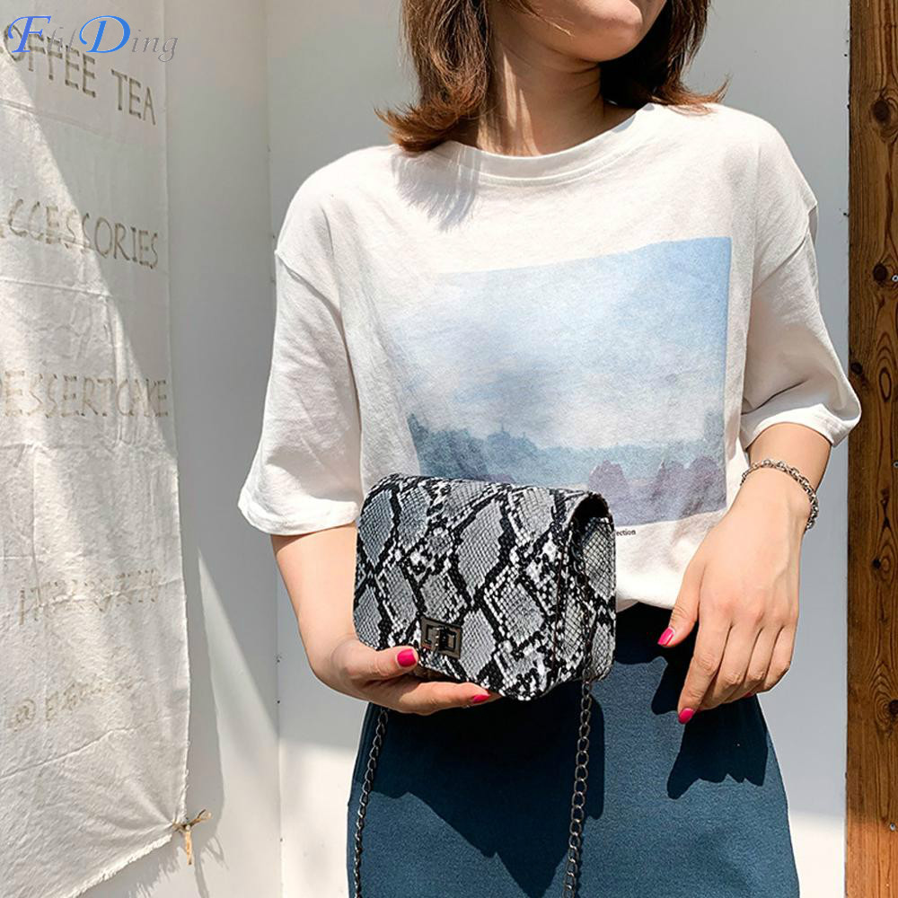 Women Serpentine Messenger Bag Small Square Shoulder Bags PU Leather Snake Print Chain Crossbody Bags For Women 2020 Summer