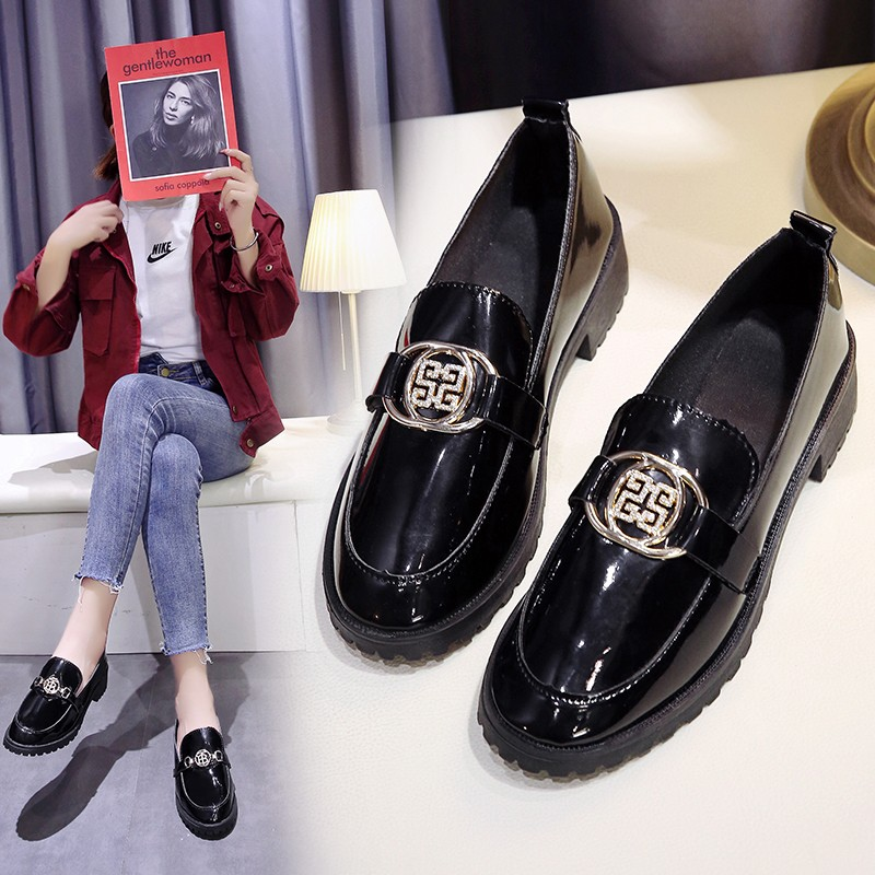 New Oxford Shoes For Women Shoes Female Flats Solid Black Patent Leather Slip On Shoes Woman Metal Buckle Ladies Shoes Plus Size